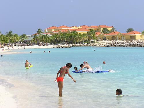 Strand,-Sonne-Palmen